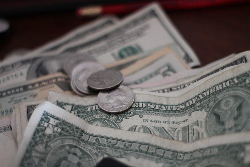 Dólares Americanos: Vaca Muerta y los subsidios suman una deuda externa que asciende a los USD $65 millones